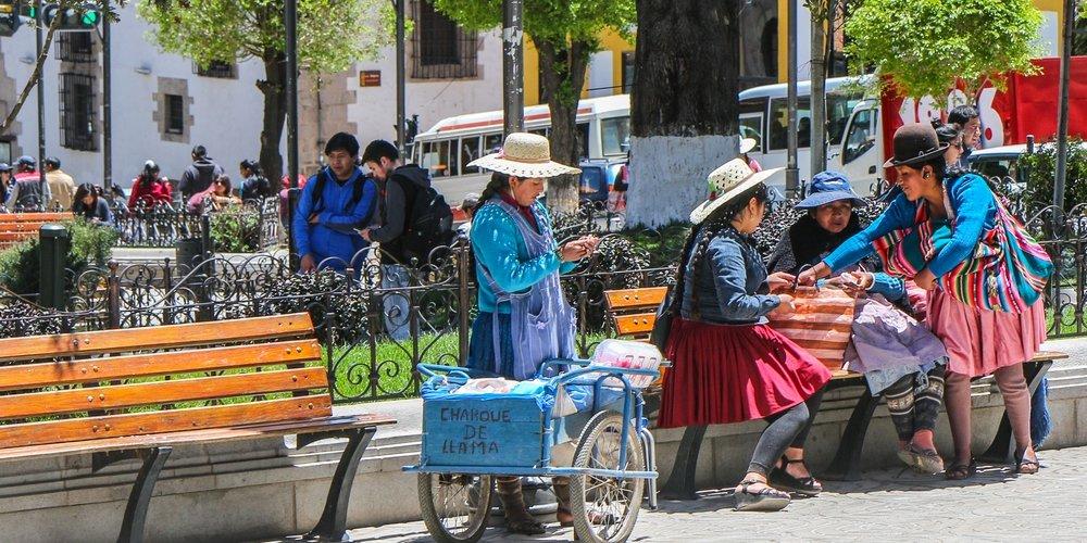 zilvermijnen potosi bolivia, verkopers plein